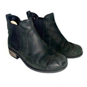 UGG Bonham III Chelsea Boot Black blocked heel BC